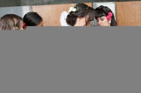 coracoes-coloridos-casamento-colorido-ar-livre-fernanda-e-rafael (18)