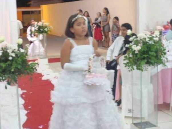 casamento-economico-Ionara-Vando-7-mil-casando-sem-grana (2)