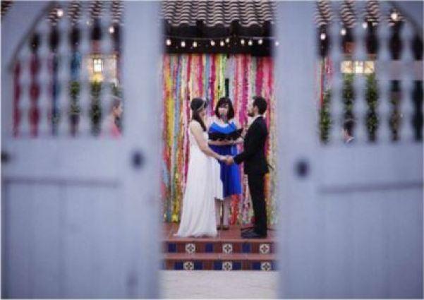 Faça você mesmo | como fazer um mural de franjas para fotos de casamento