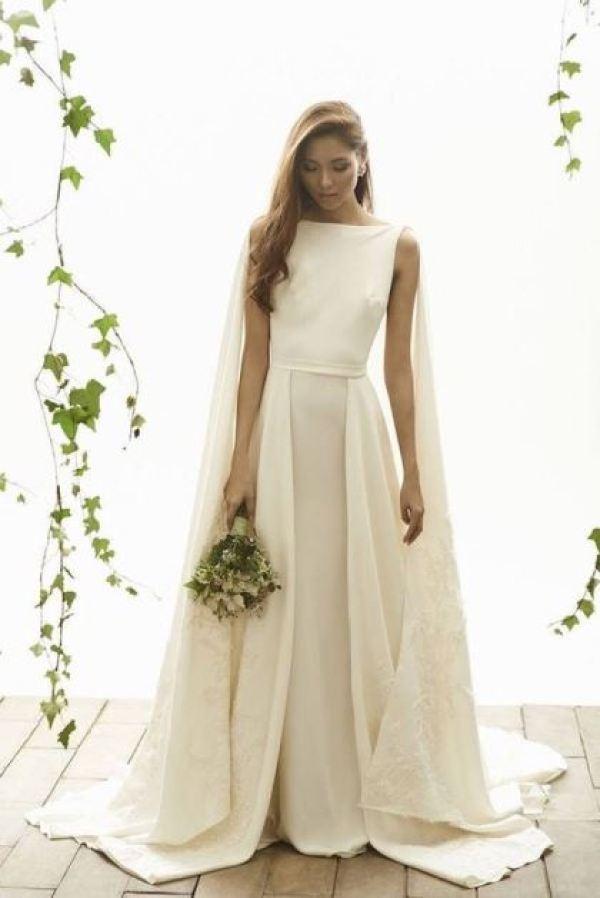 BRIDAL CAPE: Tendência em vestido de noiva. Fonte: http://static.onefabday.com