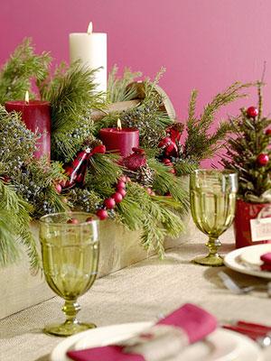 velas de colores en mesas de navidad