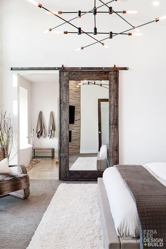 Puerta + espejo para espacios pequeños