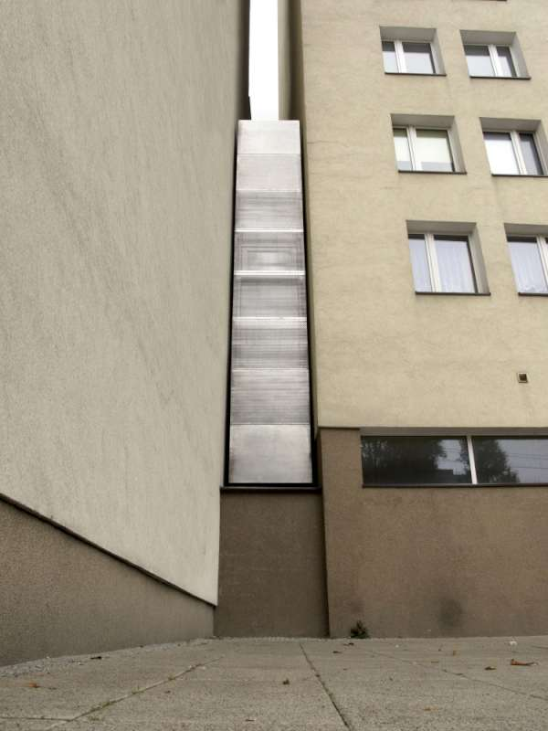 fachada de la casa más estrecha del mundo