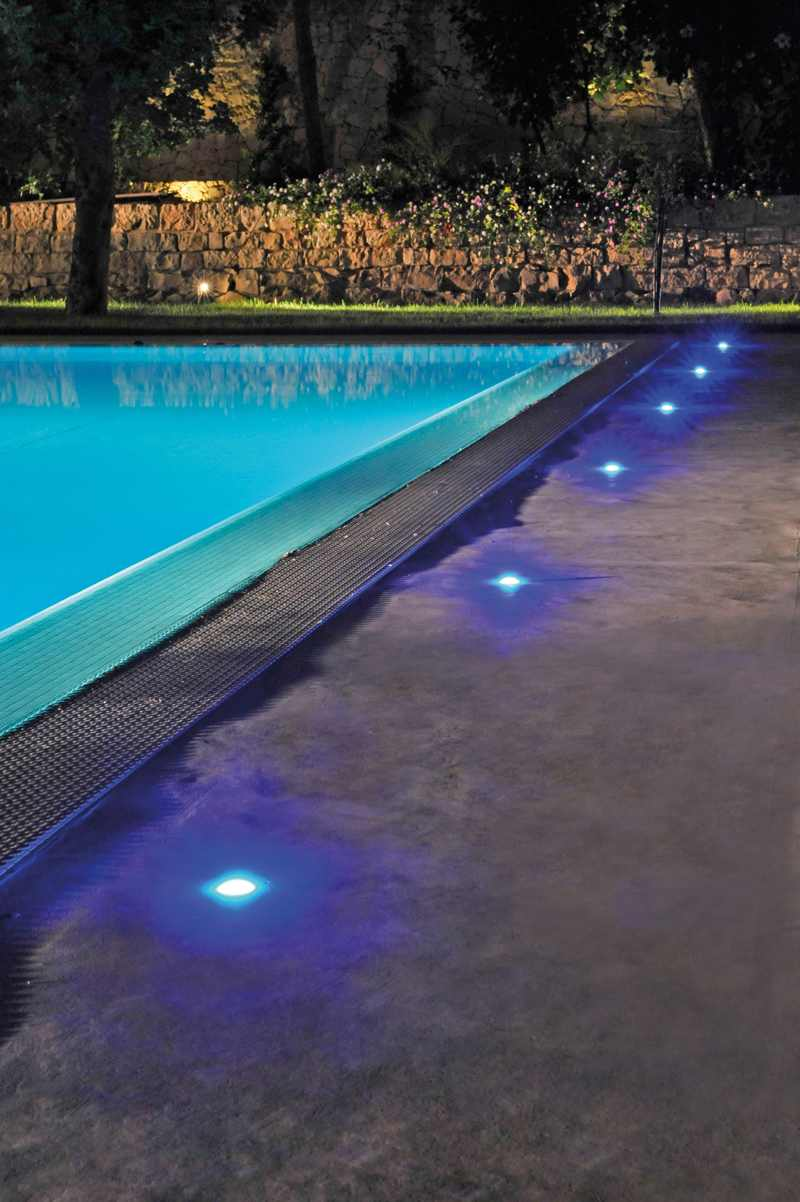 iluminación para piscinas