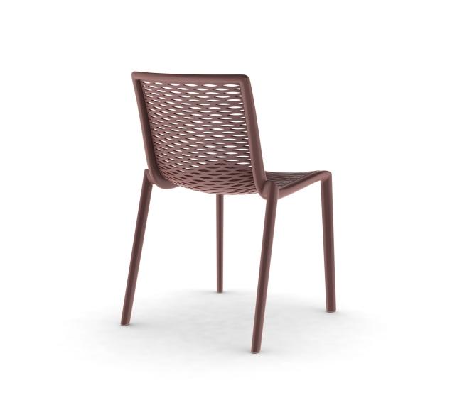 modernas y ligeras sillas
