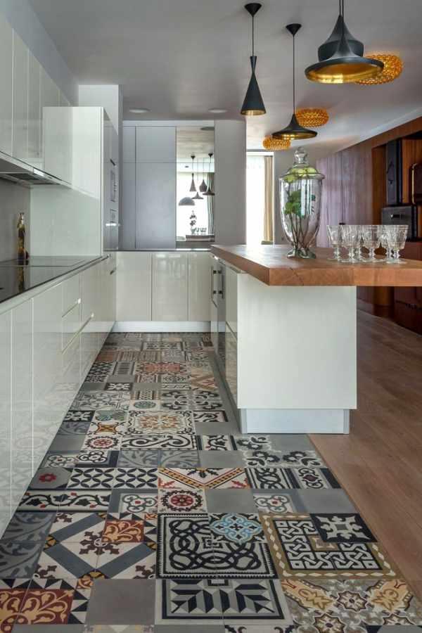 obra en el pavimento de una cocina