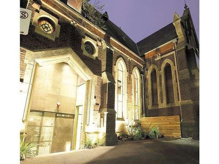 Una Iglesia Reciclada como Vivienda