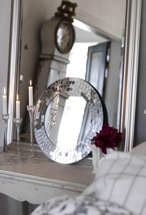 Ventajas de usar espejos en la decoraci n de interiores for Espejo que se rompe solo