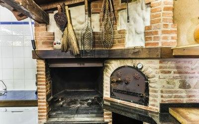 horno y barbacoa de leña