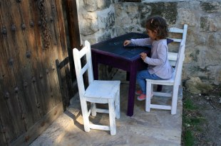 muebles infantiles con pintura de tiza