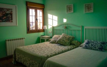Habitación la Llosa casa rural el Fareru