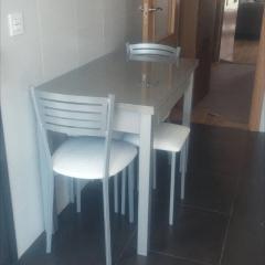 dormitorio matrimonio y mesa cocina (mal)