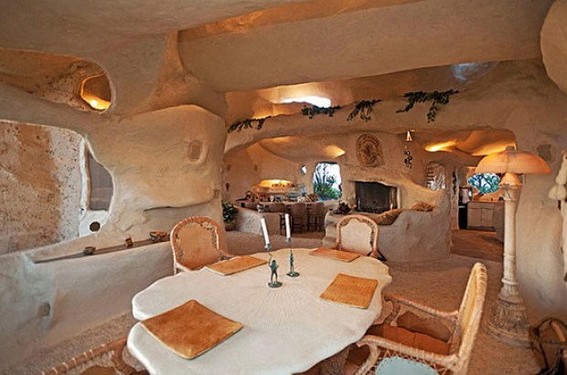 the-flintstones-house-05