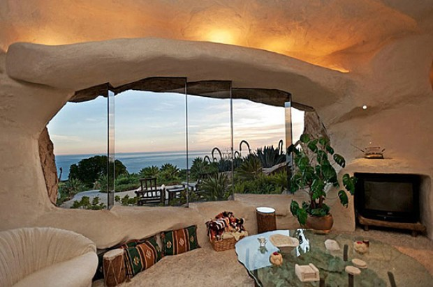 the-flintstones-house-10