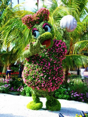 disney-characters-made-of-flowers-photos-09-337x449