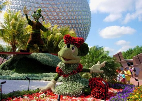 disney-characters-made-of-flowers-photos-16-550x394