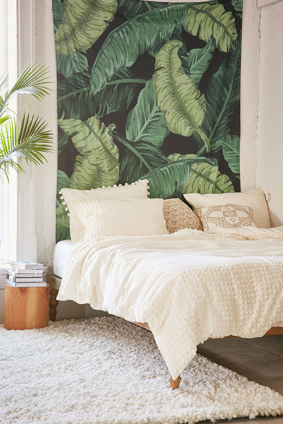 Banana-leaf-tapestry-from-Urban-Outfitters