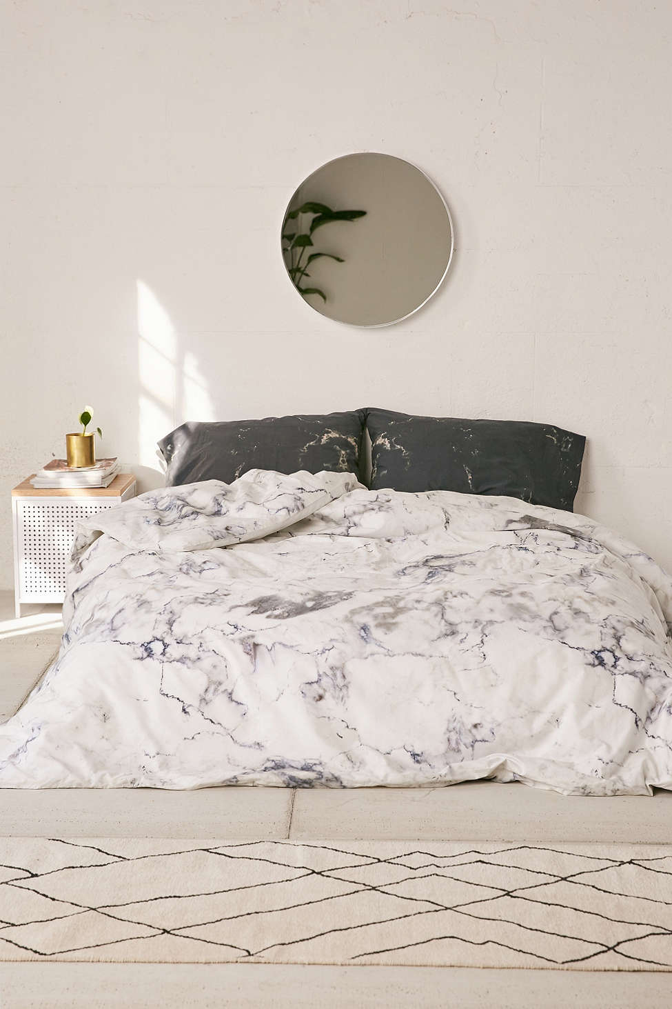 Marble-bedding-from-Urban-Outfitters