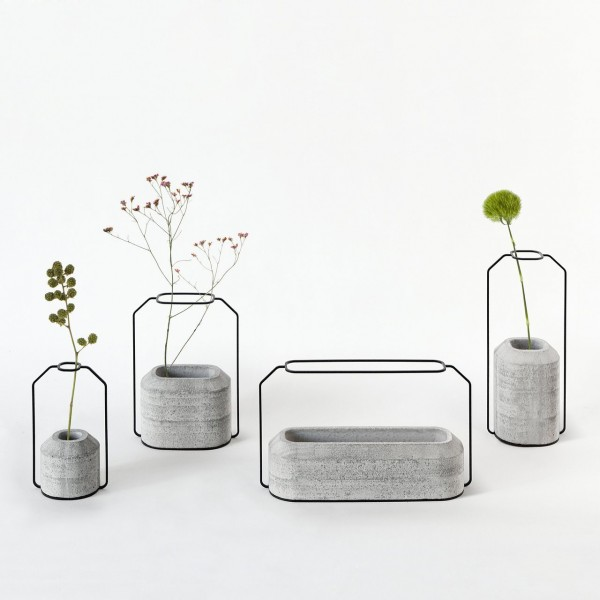 concrete-and-wire-vases-600x600