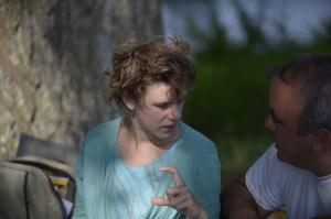 Anne expliquant à Geoffrey que la taille du pieux ne fait pas tout