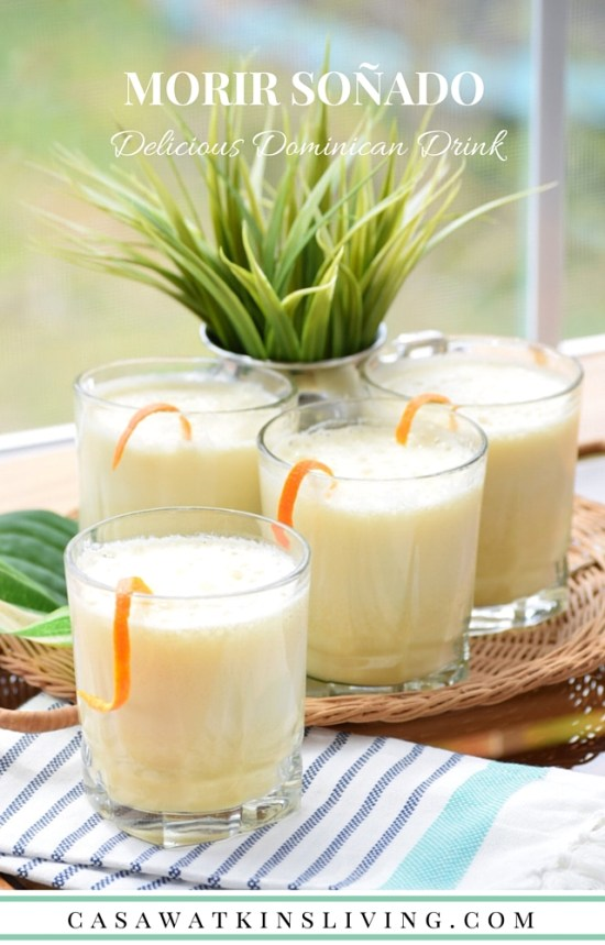 I'm making this tasty Dominican Morir Soñado orange and milk drink!