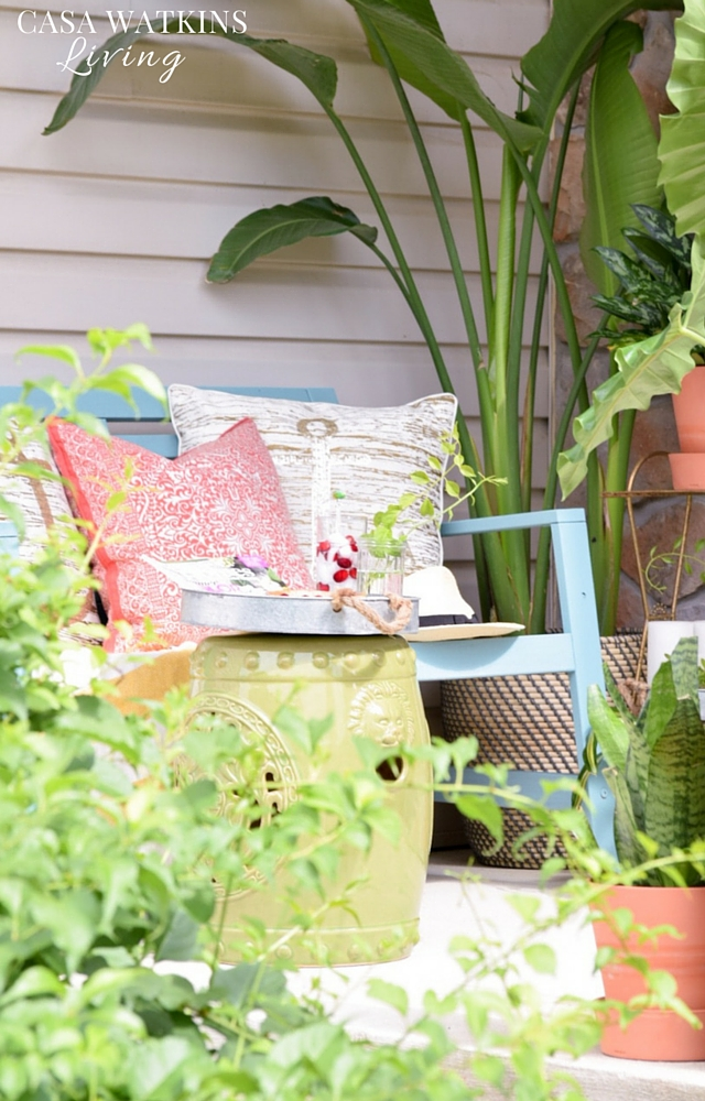 Tropical porch decorating