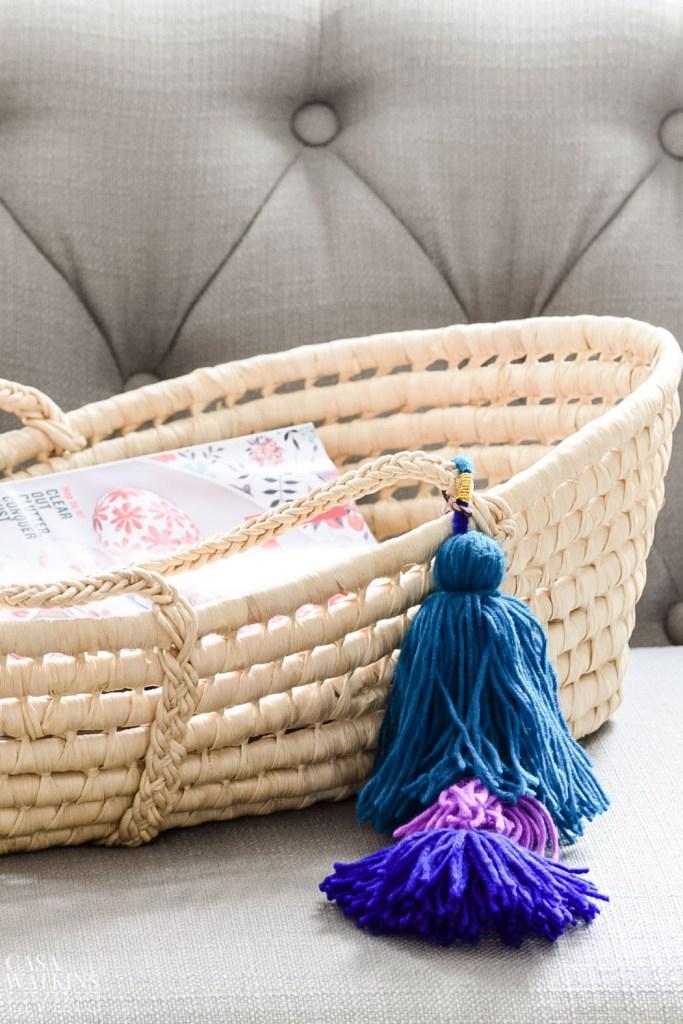 moses basket into magazine holder