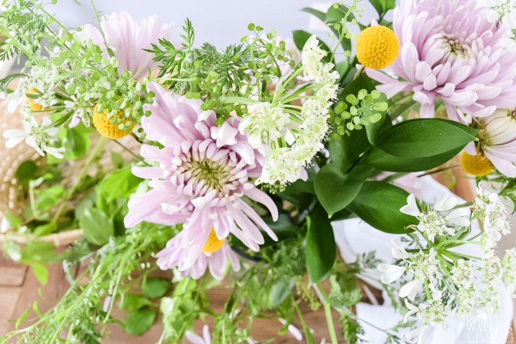 diy spring floral arrangement