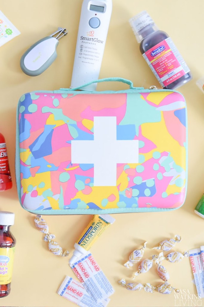 travel medical kit checklist with FREE printable