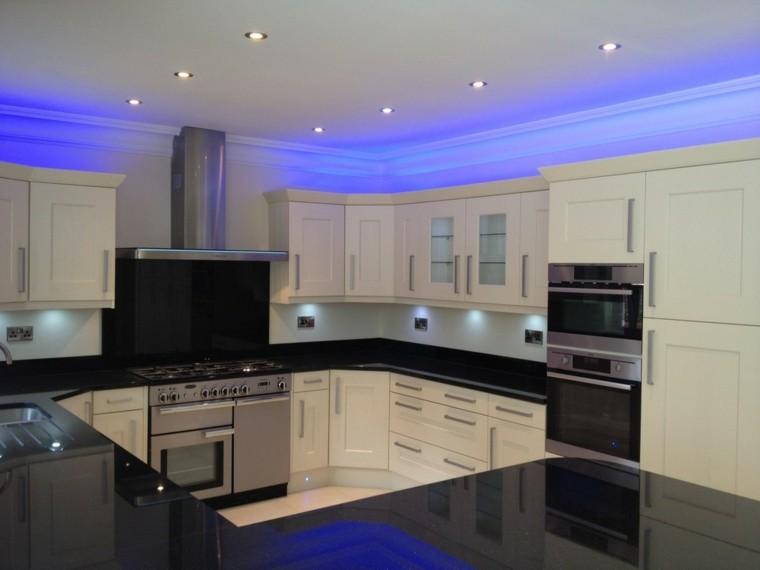 iluminación led cocina brillo metales luces