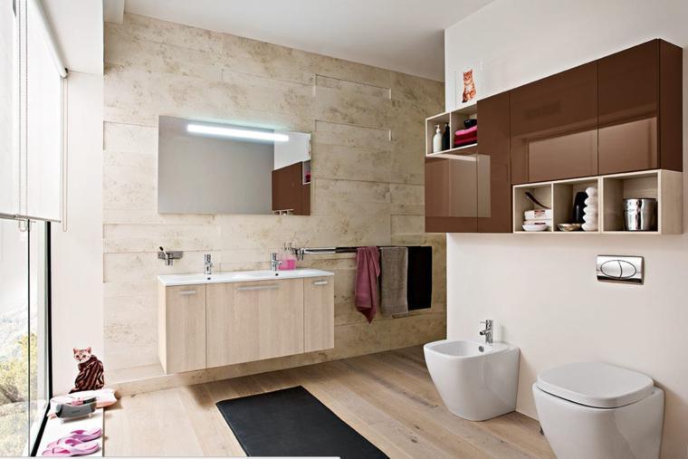 baño de estilo moderno con laminados de madera