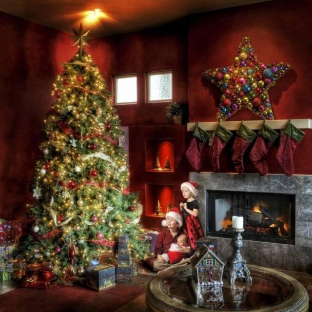 chimenea decorada calcetines estrella navidad
