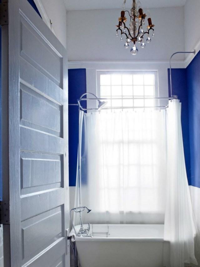 como decorar un baño pequeño y sencillo liminarias azules
