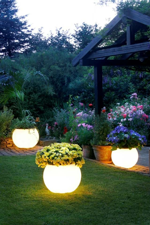 iluminacion moderna macetas ideas exterior
