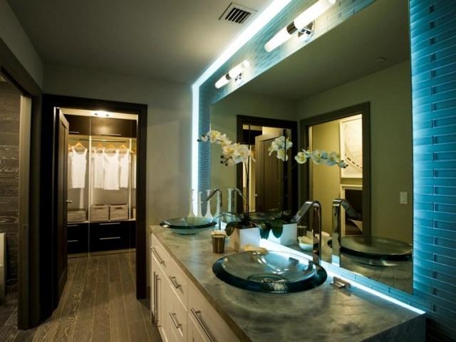 bano diseno moderno iluminacion original apliques espejo grande ideas
