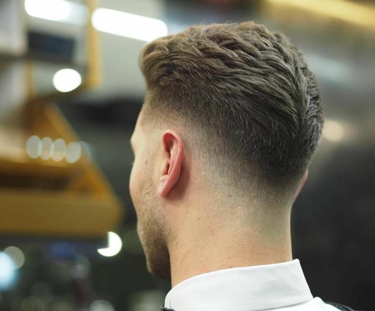 Средний фейд (mid fade) __ side part __ стрижка с укладкой на бок __ man haircut. Nuevos cortes de cabello para hombres de estilo Fade para ...