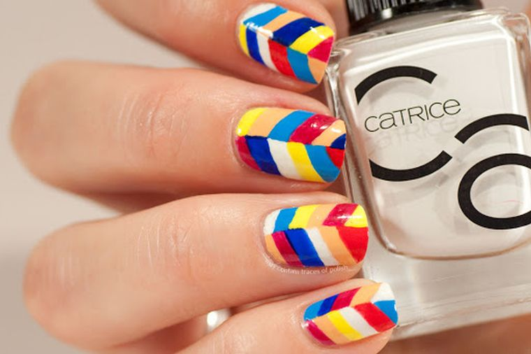 """manicure-trends-2020-combine-colors """"width ="""" 760 """"height ="""" 506 """"srcset ="""" https://casaydiseno.com/wp-content/uploads/2020/05/tendencia-manicura-2020-combinar-colores .jpg 760w, https://casaydiseno.com/wp-content/uploads/2020/05/tendencia-manicura-2020-combinar-colores-720x480.jpg 720w """"sizes ="""" (max-width: 760px) 100vw, 760px """"/><img data-count="""