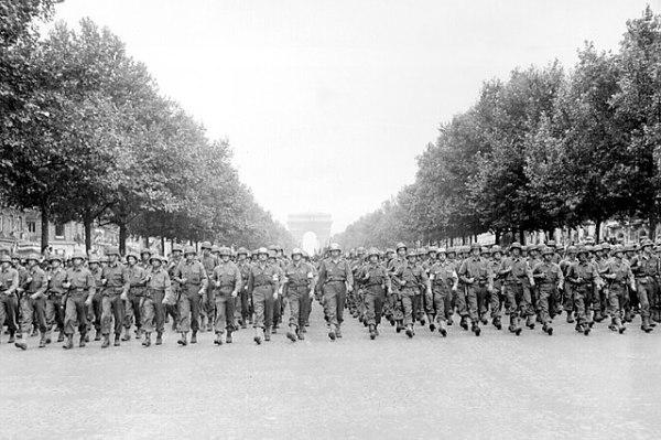 American troops Champs-Élysées