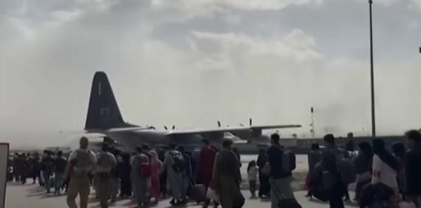 Afghans evacuating Kabul