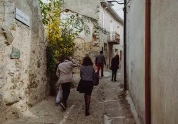 """Olandesi pazzi per le """"case a un euro"""": ad Ollolai il nuovo reality tv – Spettacoli – L'Unione Sarda.it"""