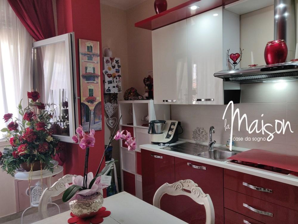 vendesi appartamento centro storico prato via del serraglio stazione porta al serraglio quattro vani vendesi agenzia immobiliare la maison case da sogno prato06
