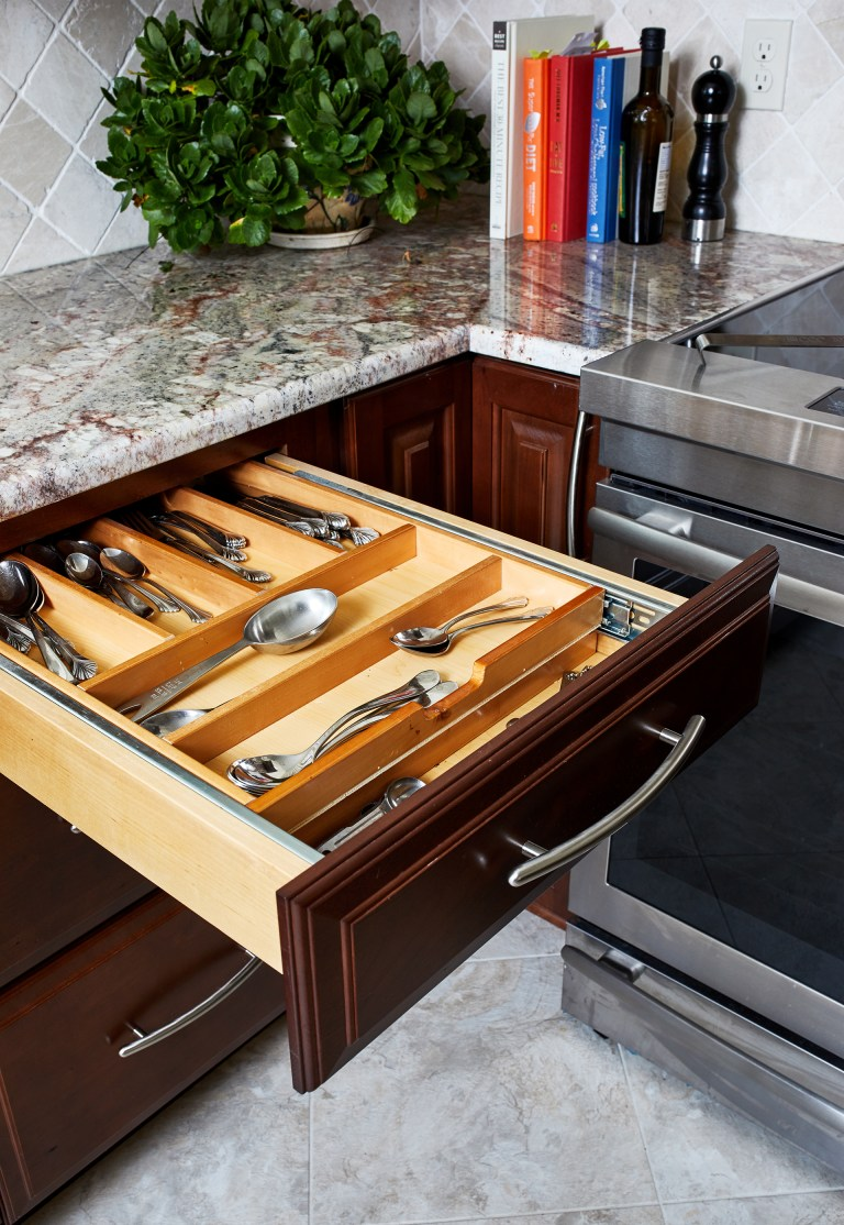 kitchen drawer organizer with adjustable dividers