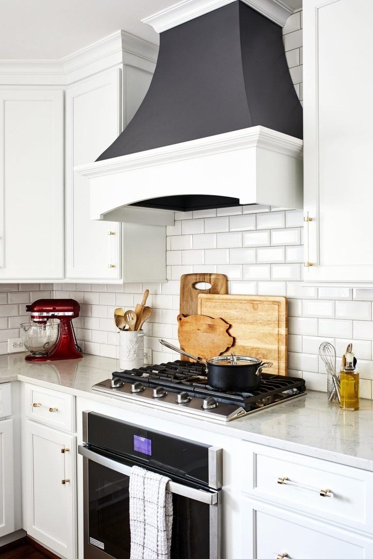 black and white range hood canopy with black and white 5 burner gas stove