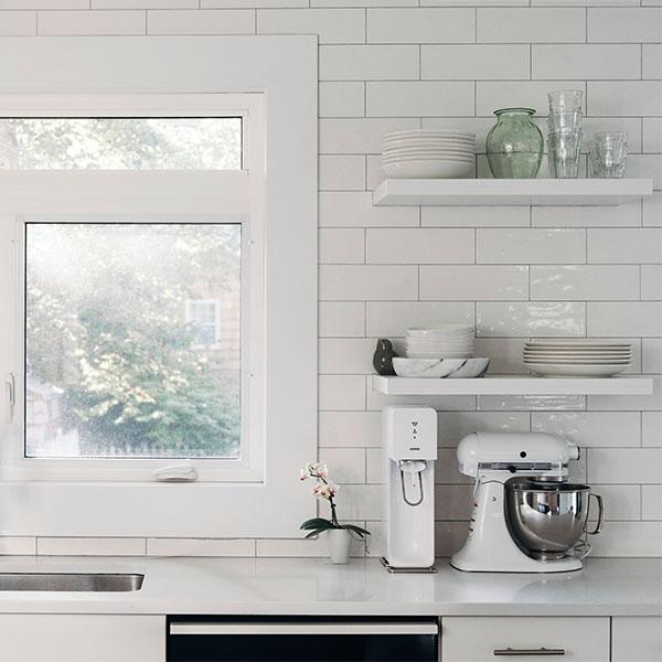 Kitchen white tiles