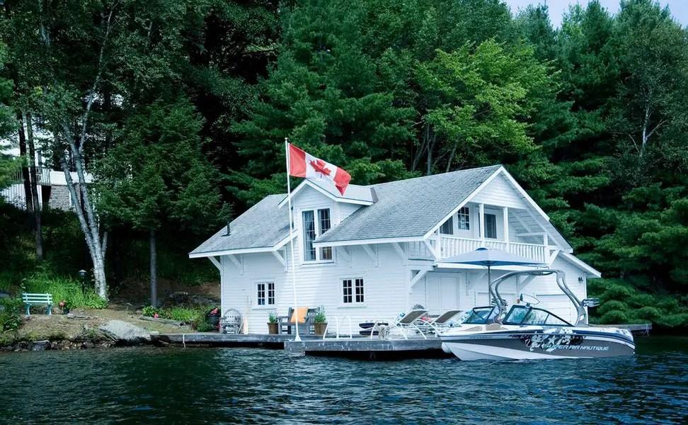 casa in stil canadian ansamblu