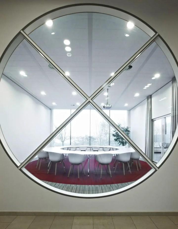 Amenajarea unui birou in stil modern Modern office interior design ideas 8