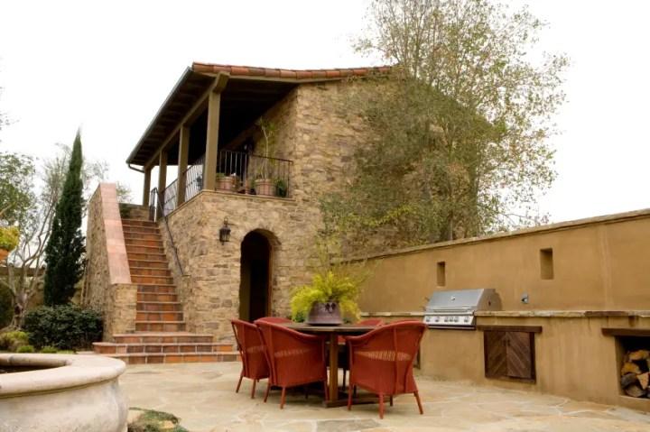 Bucatarii de vara rustice in gradina