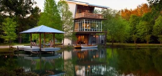 Casa de pe lac moderna
