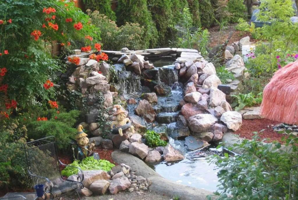 Construirea unei cascade de gradina frumoase