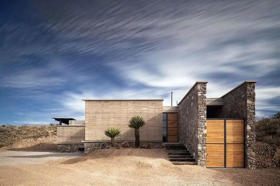 Casa moderna din desertul mexican imens